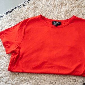 APC tee red size Small